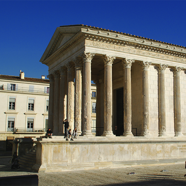 http://www.laboucleromaine.fr/wp-content/uploads/sites/6/2019/02/Nîmes-Maison-Carrée-6504-600.jpg