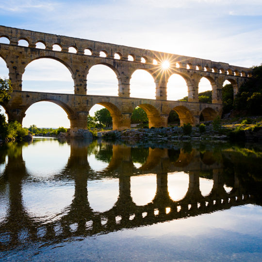 http://www.laboucleromaine.fr/wp-content/uploads/sites/6/2019/03/pont_du_gard_frise5-540x540.jpg