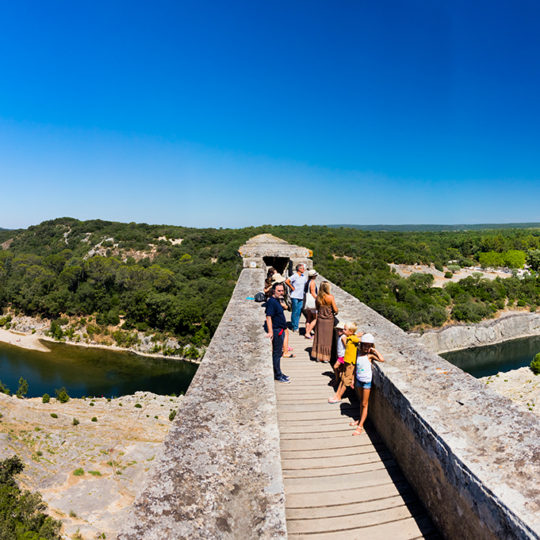 http://www.laboucleromaine.fr/wp-content/uploads/sites/6/2019/03/pont_du_gard_frise6-540x540.jpg